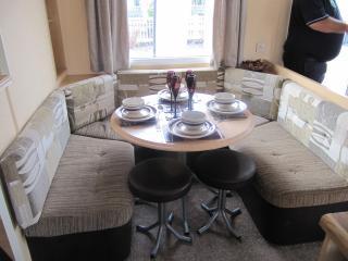 Nice 3 bedroom Caravan/mobile home in St Osyth - St Osyth vacation rentals