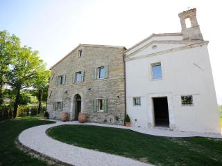 Luxury Le Marche villa - Apiro vacation rentals