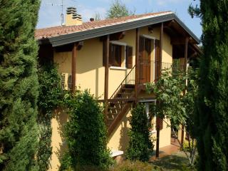 Charming 1 bedroom Puegnago sul Garda Condo with Television - Puegnago sul Garda vacation rentals