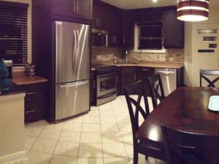 3 bedroom Condo with Internet Access in Barrie - Barrie vacation rentals