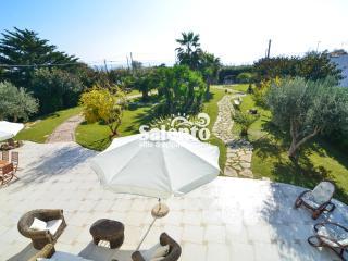 CM012 Villa Katya 2 PP fronte spiaggia - Campomarino vacation rentals