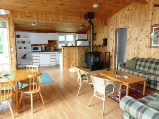 Bright Cottage with Internet Access and Television - Mactier vacation rentals