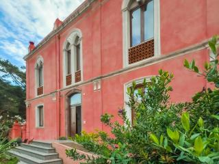 The Pink Palace - Apartment La Campagna - Bosa vacation rentals