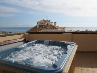Penthouse Cervantes, Luxury penthouse with Jacuzzi - Villajoyosa vacation rentals