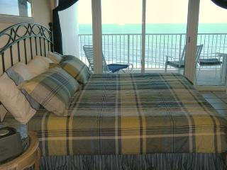 Lighthouse Gulf Shores Front Door Parking - Gulf Shores vacation rentals