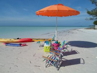 Western View Cottage free golf cart & kayaks & sup - Spanish Wells vacation rentals