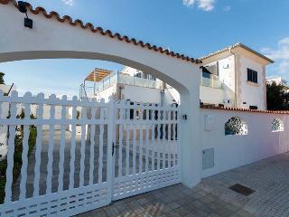 Cozy 3 bedroom House in Puerto Pollensa with Private Outdoor Pool - Puerto Pollensa vacation rentals