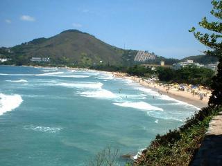 Apartamento mobiliado a 500 m da praia em Ubatuba - Ubatuba vacation rentals