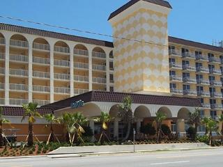 Beautiful Studio with Internet Access and A/C - Ormond Beach vacation rentals