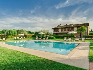 Apartment Aia in a Country House in Tuscany - Tavarnelle Val di Pesa vacation rentals
