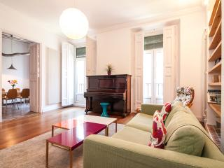 Luminous & Quiet Apt. Ópera District - Delon - Madrid vacation rentals