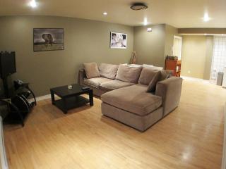 Cardinal Suite - 1 Bed, 1 Bath - Montreal vacation rentals