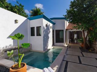Charming home for families in bustling Mérida. - Merida vacation rentals