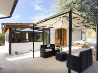 Comfort Villa - Syracuse vacation rentals