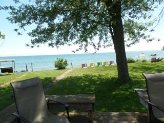 Sunset Bay Cottage on shores of Lake Erie - Port Colborne vacation rentals