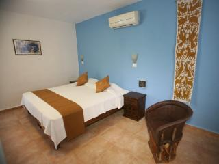 Aries y Libra - Big room with Kingsize Bed - Merida vacation rentals
