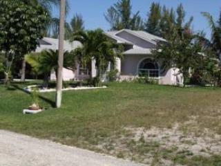 Villa Calm Waters Clean Sleeps 6 Canal~Stay 6 Nights Get 7th Night FREE! - Watersound Beach vacation rentals