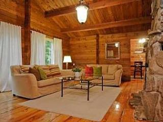 Nice Cabin with Internet Access and Wireless Internet - Uxbridge vacation rentals