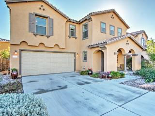 New Listing! Delightful 3BR Phoenix House Within Walking Distance of Dodgers & White Sox Spring Training Stadium! Spacious Backyard Patio & Fire Pit, Wifi & Cable Access - Terrific Location - Close to Restaurants, Movies & Sports! - Litchfield Park vacation rentals