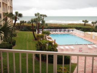 Cozy 3 bedroom Cape Canaveral Apartment with Television - Cape Canaveral vacation rentals