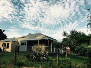 Country House Retreat - Nungurner vacation rentals