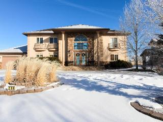 Family-friendly home w/gourmet kitchen & private hot tub - Gypsum vacation rentals