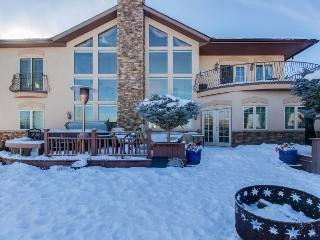 Elegant dog-friendly home w/ mountain views, gourmet kitchen & private hot tub! - Gypsum vacation rentals