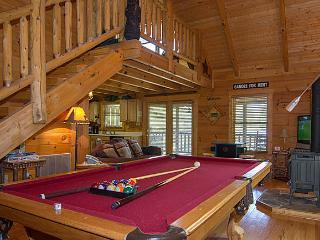 Country Dreams Log Cabin.Beautiful 1 BR Cabin - Gatlinburg vacation rentals