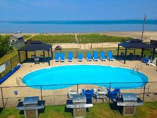 BAYFRONT BEACH RESORT-WATERFRONT-HEATED POOL - Wasaga Beach vacation rentals