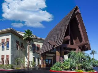 Tahiti All-Suites Luxury 2bdrm. Condo. slps6 Avail: May- Dec.'17 Only $799/Week! - Las Vegas vacation rentals