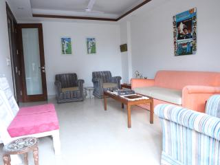 Nice Condo with Internet Access and Housekeeping Included - New Delhi vacation rentals