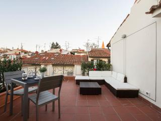 ATTIC UP ON FLORENCE-NEW, WITH A BEAUTIFUL TERRACE - Florence vacation rentals