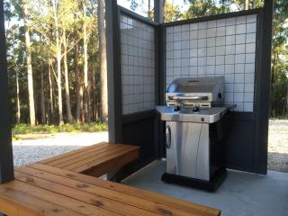 High Peaks Cottages- Ironbark Couples Cottage - Fumina South vacation rentals