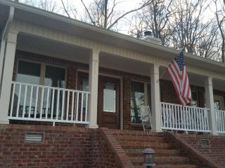 Lake Guntersville Getaway at Signal Point - Guntersville vacation rentals