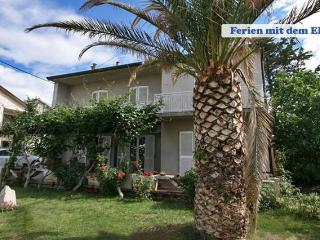 Domi 3 nice 3 rooms for 8 people - Novalja vacation rentals