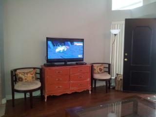 Furnished 2-Bedroom Condo at Bristol St & Baker St Costa Mesa - Costa Mesa vacation rentals