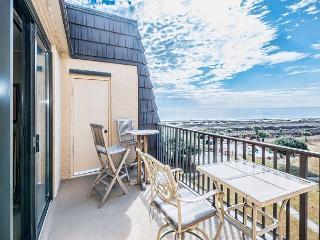 Island Club 3502, 2 bedroom, Ocean View, Pool, Sleeps  7 - Hilton Head vacation rentals