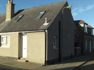 West Rocks Cottage, Rosehearty, Fraserburgh, - Rosehearty vacation rentals