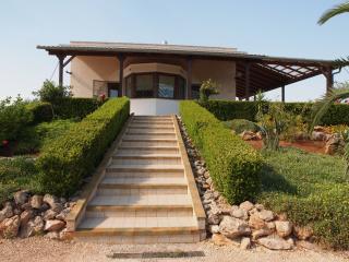 Casa Gabriela  - reizvolle Villa in Meernähe - San Pietro in Bevagna vacation rentals