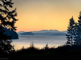 Peaceful Cottage with Beach Access on Beautiful Orcas Island - Olga vacation rentals