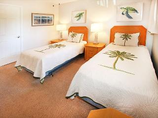 #202 - 2 Bedroom/2 Bath Ocean Front u nit on Sugar Beach! - Kihei vacation rentals