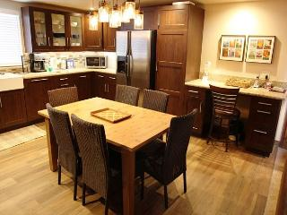 2 Bed + Loft/3 Bath, Completely remodeled, Centrally Located in Town - Mammoth Lakes vacation rentals