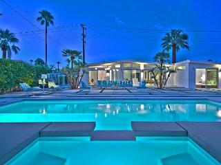 Palm Springs 2BR Stunner with Pool - Palm Springs vacation rentals