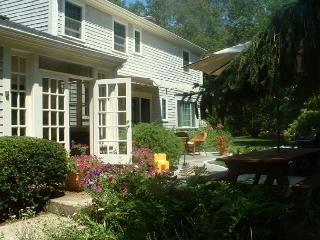 Spacious 4BR Brewster Home - Walk to the Beach! - Brewster vacation rentals