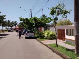 Ampla e bem localizada (há poucos metros da praia) - Itanhaem vacation rentals