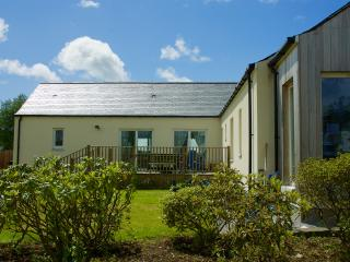 Spacious 4 bedroom Castle Douglas House with Washing Machine - Castle Douglas vacation rentals