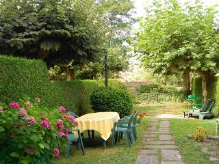 Talloires - Bucolique Rez de Jardin - Talloires vacation rentals