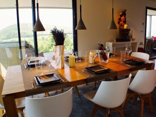 TALLOIRES BIEN D'EXCEPTION avec Piscine-Sauna-Home - Talloires vacation rentals