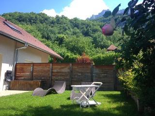TALLOIRES - Maison au calme avec Jardin clos - Talloires vacation rentals