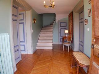 TALLOIRES - Maison Atypique VUE LAC - Angon vacation rentals